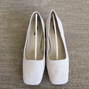 Zara Suede Cream White Block Heel Pump